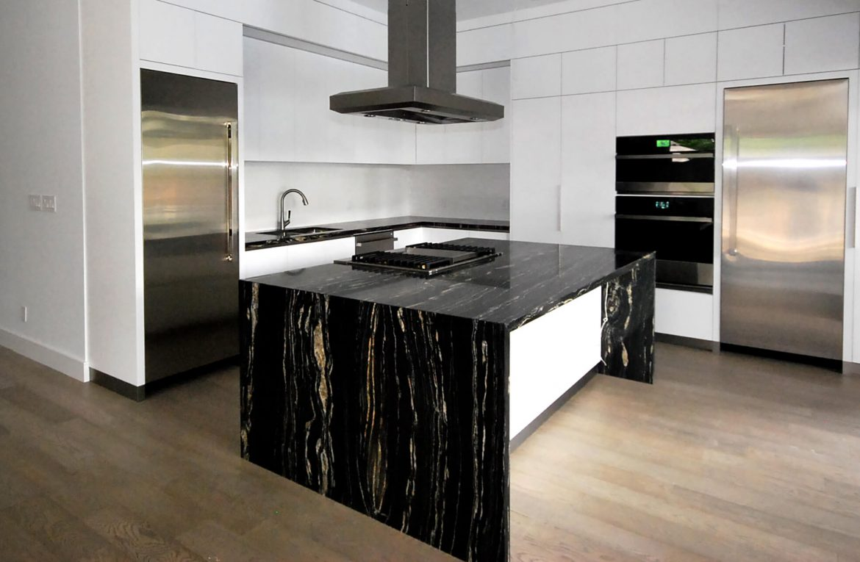 Newcastle Kitchens - Toronto - Kitchen Solutions 1 (2)